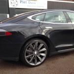 Tesla antraciet